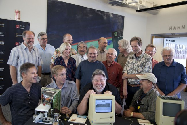 Ten friends jobs: an entertaining history of its first employees Apple14 review