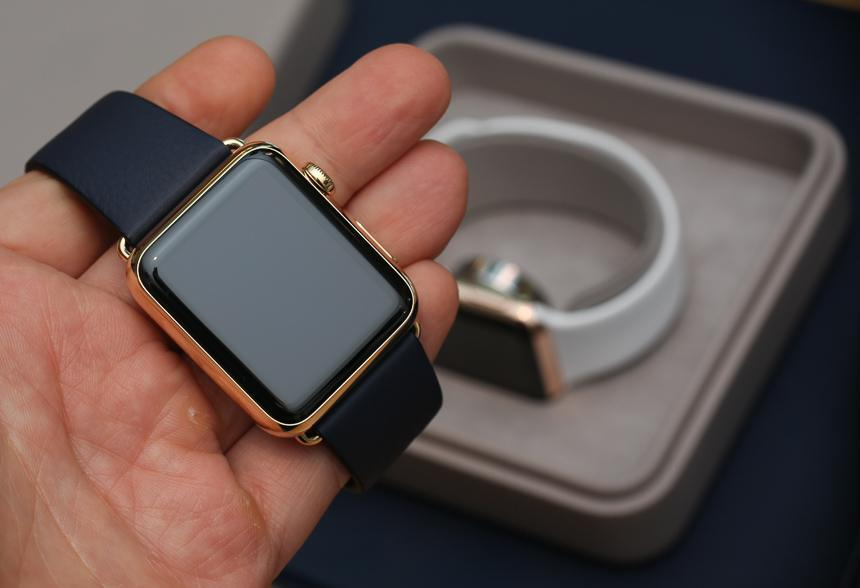 Apple Watch is now protected from crazy review
