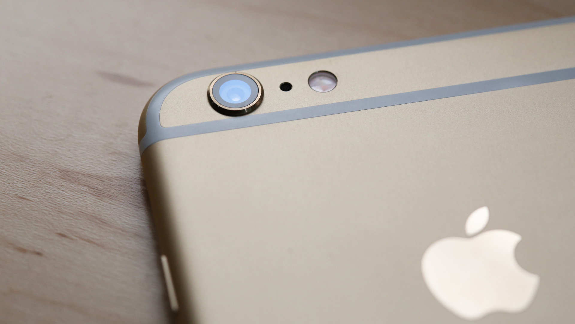 Apple launched a replacement program iPhone 6 camera review Plus95