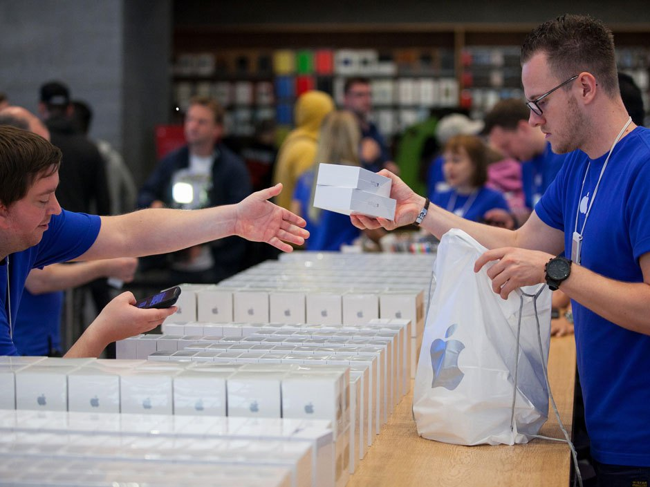 Where is the cheapest to buy iPhone in Russia: June 201533 comment