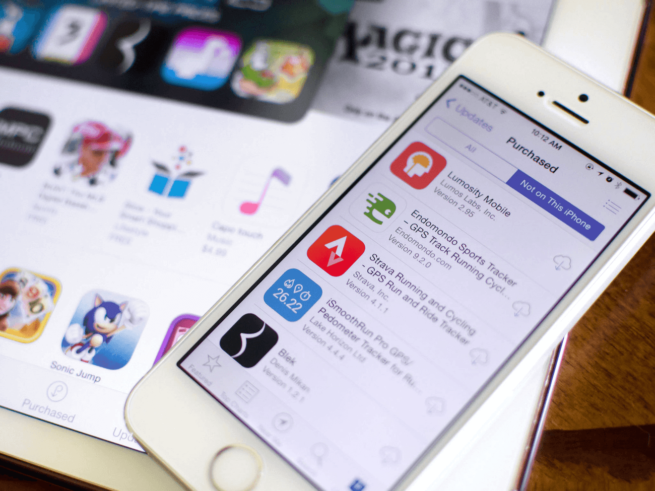 Users complain of problems with top free App Store