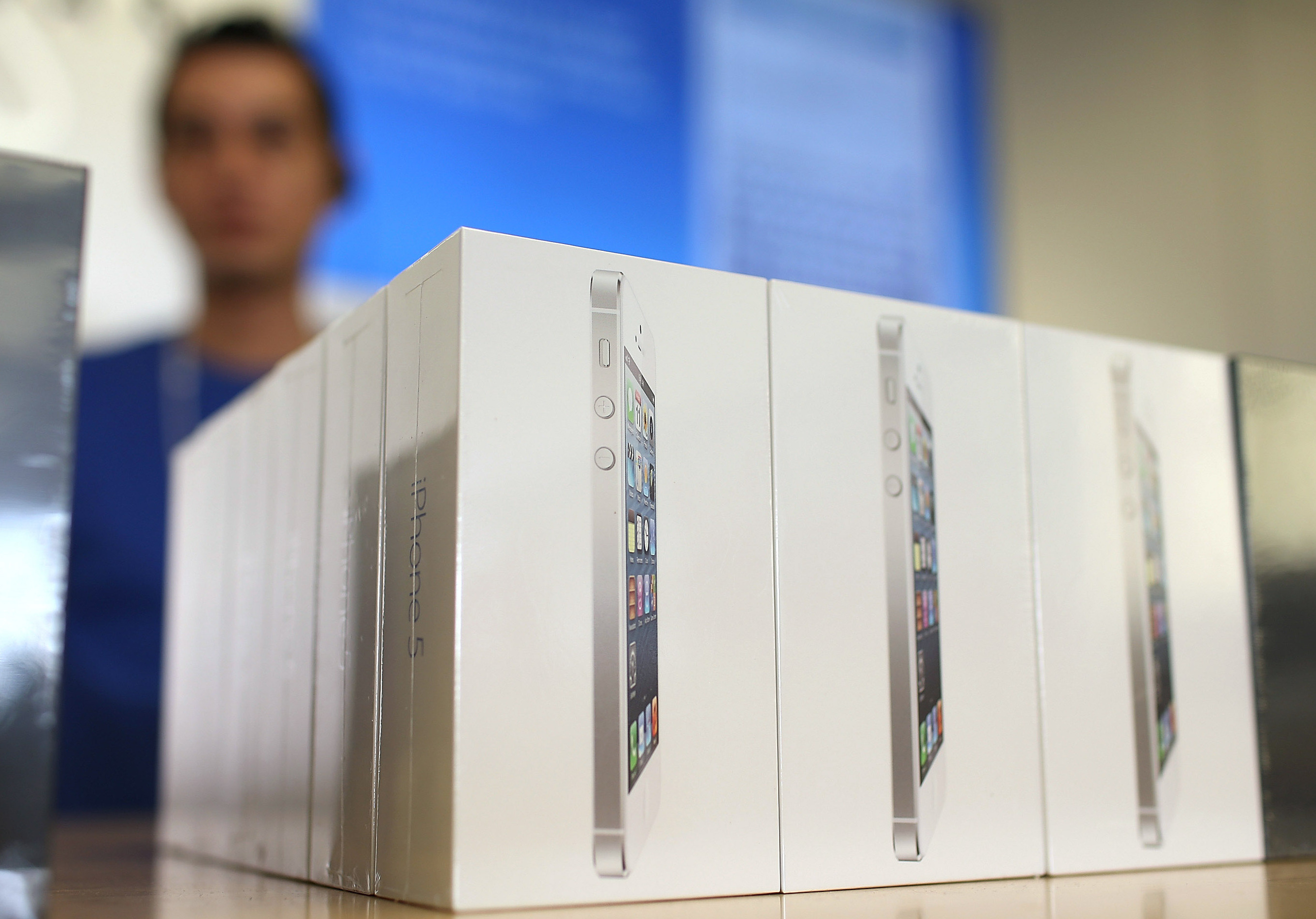 How to avoid becoming a victim of fraud when buying iPhone