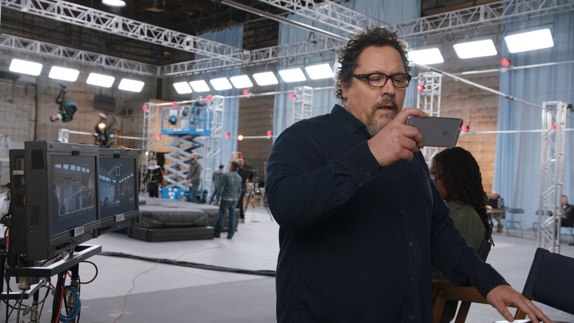 """""""On the Set"""" — a new advertising iPhone 6s with Jon Favreau"""