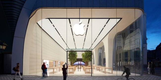 Angela Ahrendts showed Apple Store of the future