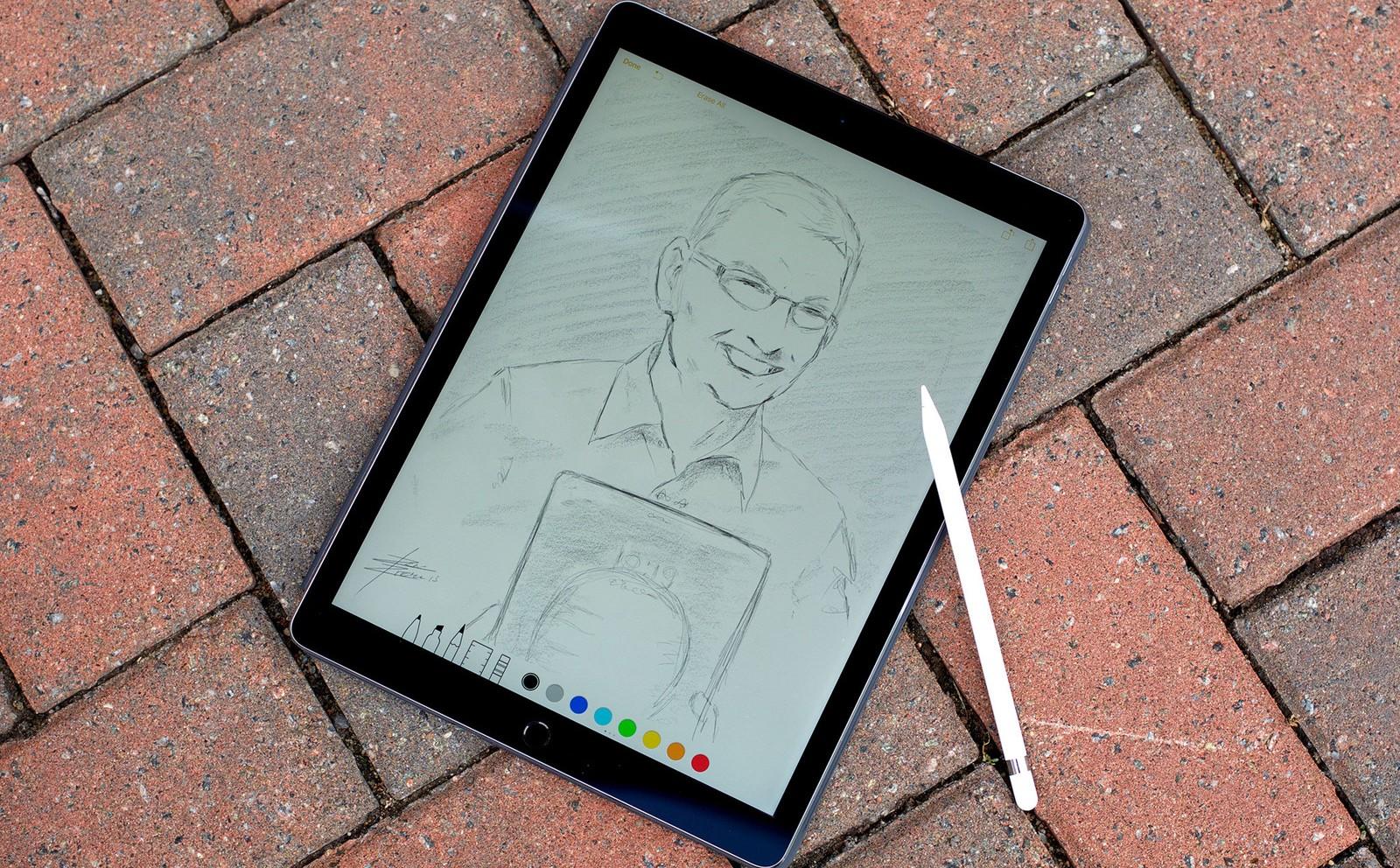 Graphic designers choose Apple iPad Pro and Pencil