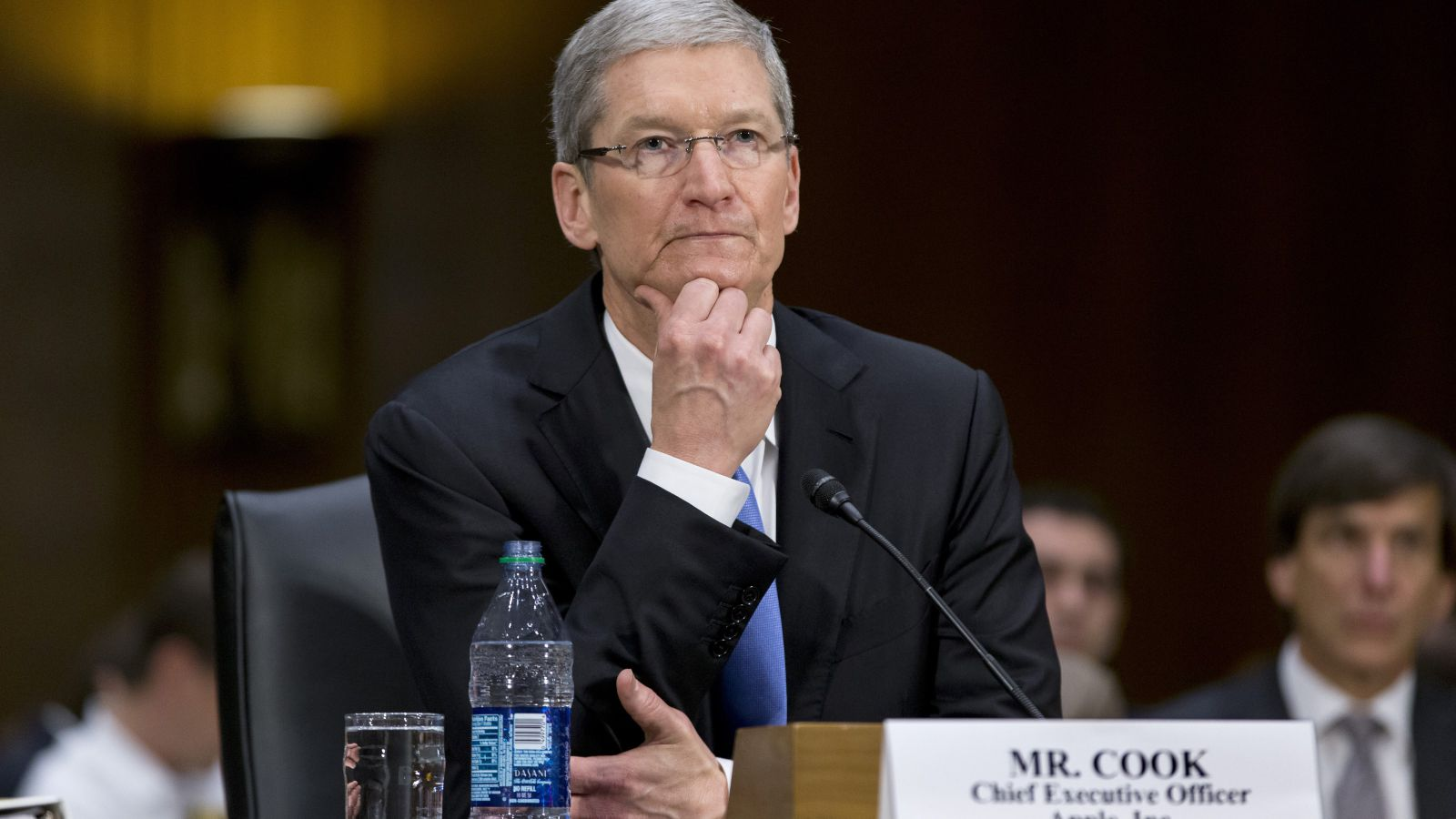 Analysts: Policy Tim cook will take the company