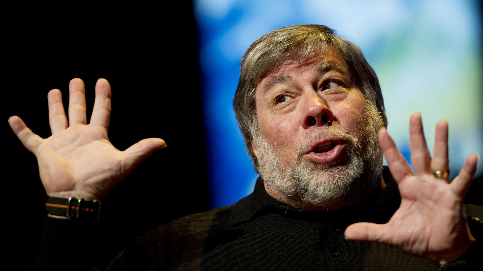 "Steve Wozniak will have lunch with you for a ""small"" reward"