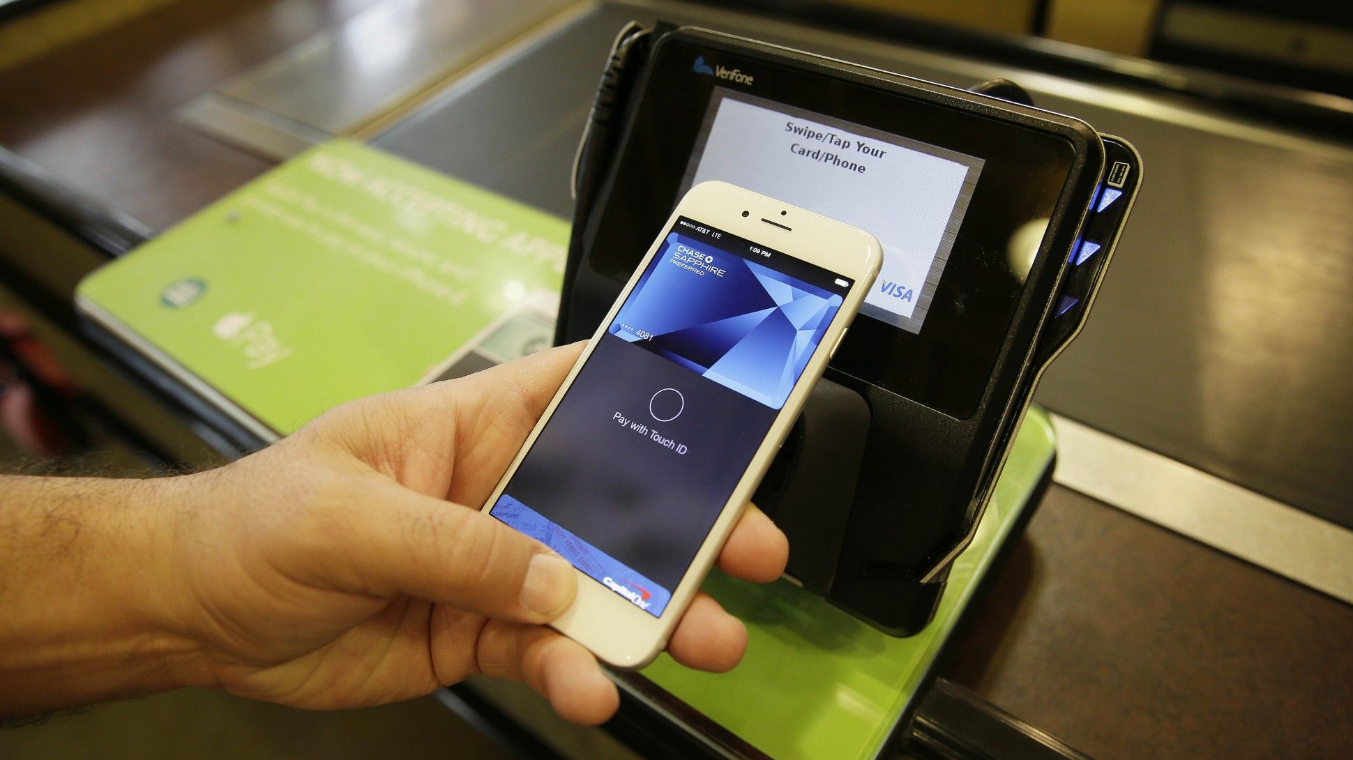 Apple Pay will work in Russia by the end of the year