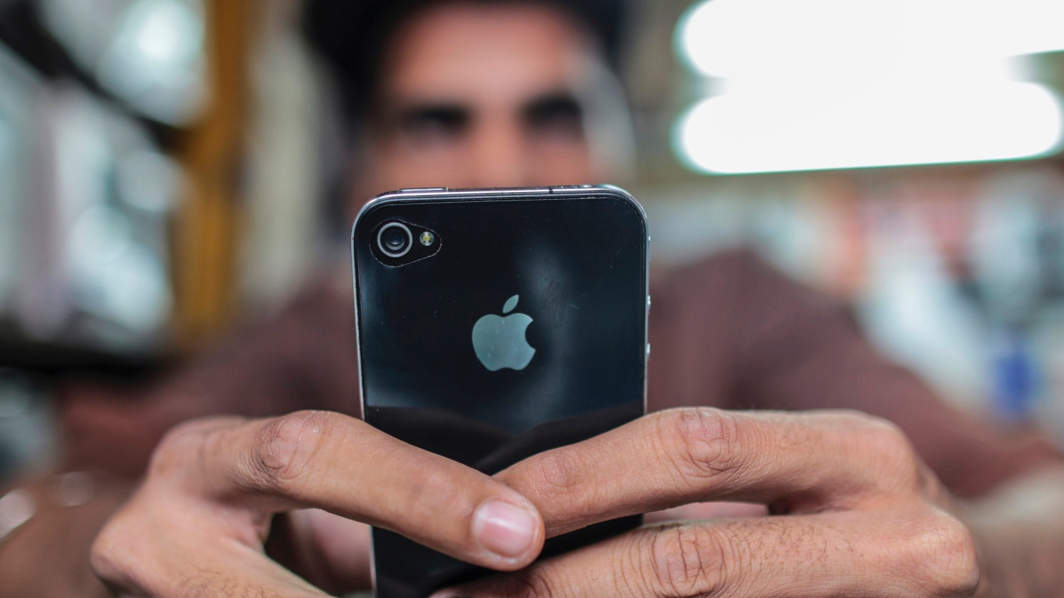 Samsung and Micromax are trying to stop Apple selling refurbished iPhone