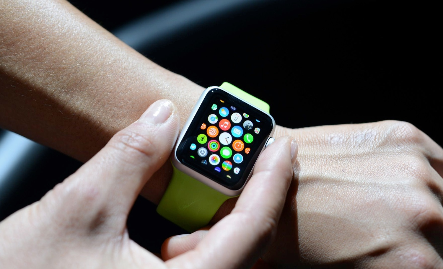 Apple will make apps for the Apple Watch to run faster