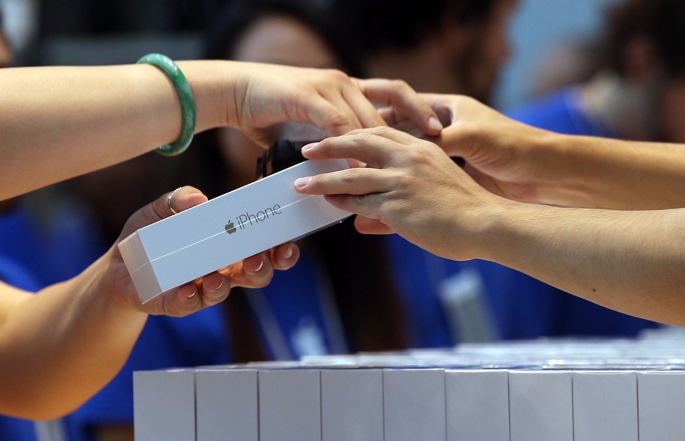 Apple may lower the prices in Russia