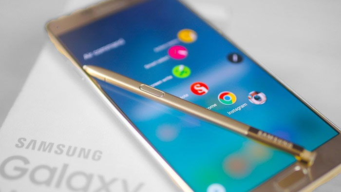The flagship Samsung Galaxy Note 6 attributed to the presence of an infrared auto-focus and built-in USB C