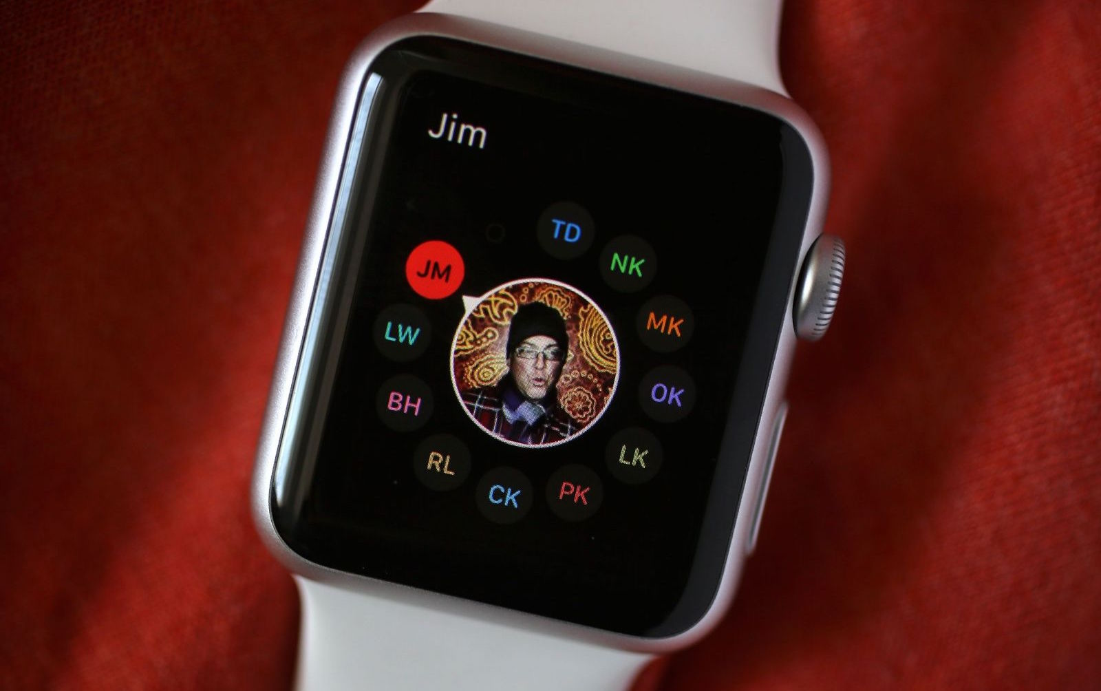 Watch Chinese take away users from Apple Watch