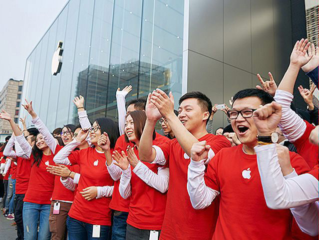 China overtook the United States in the number of sold iPhone