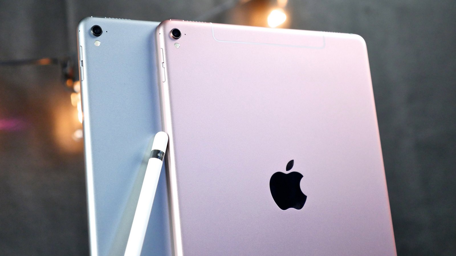 "9.3.2 iOS can turn 9.7 inch iPad Pro in ""bricks"""