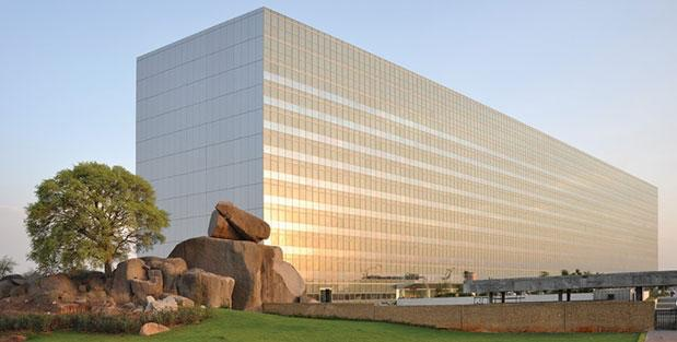 Apple opens development centre in Hyderabad and the Indian hires 4,000 employees to accelerate the development of the maps