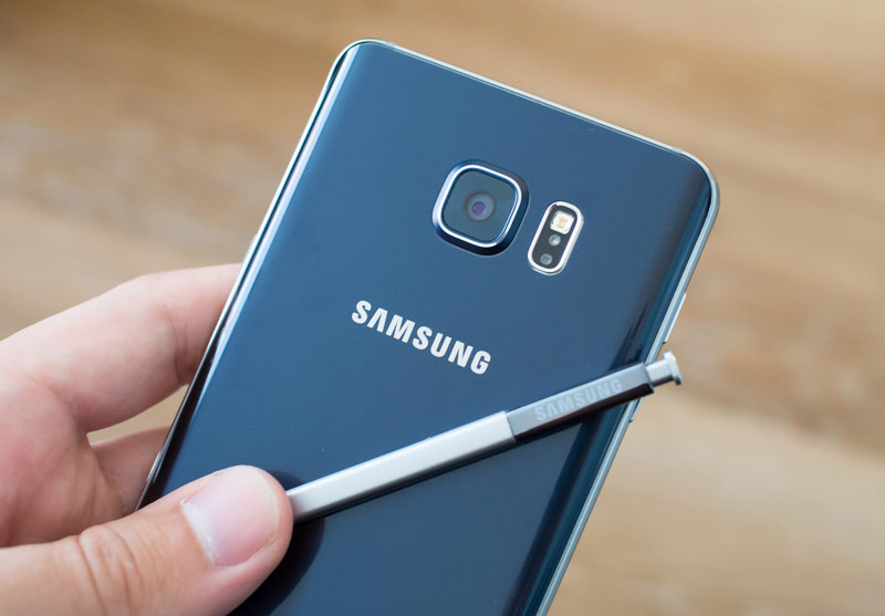 The next smartphone Samsung family of Galaxy Note will be released a month before iPhone 7 will be called the Galaxy Note 7