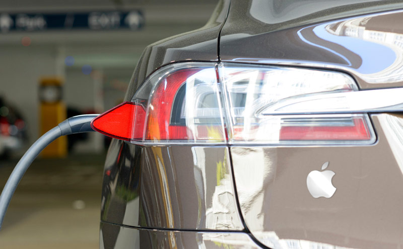 Whether Apple will be able to beat Tesla in the electric car market?