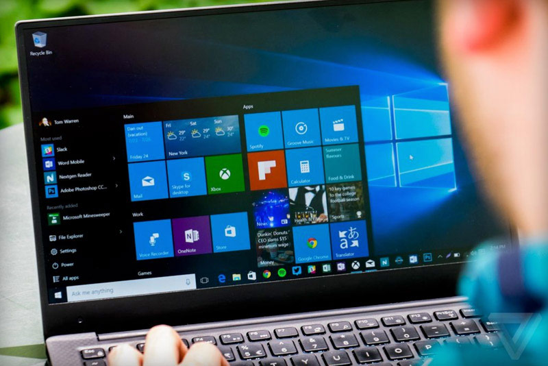 """Microsoft returned the """"close"""" button and the option to cancel the upgrade to Windows 10 after complaints from users"""