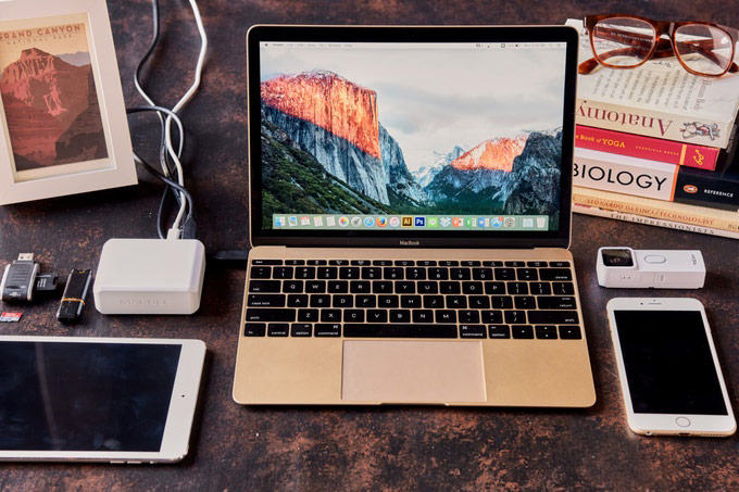 Docking station for MacBook charging iPhone and iPad has collected on Kickstarter to 3 times more than planned