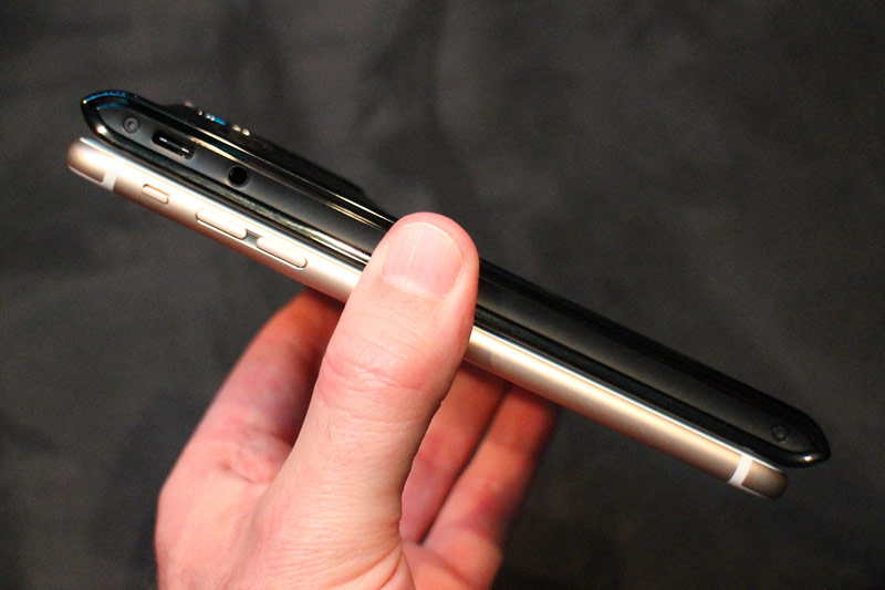 Presented Android-smartphone cost $17 000 [video]