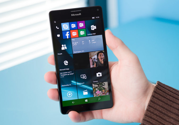 The flagship of Microsoft Lumia 950 Windows 10 fell sharply in Russia