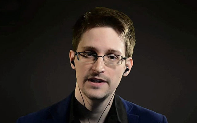 """Edward Snowden criticized the """"law of Spring"""": it will take the Russians money and freedom"""