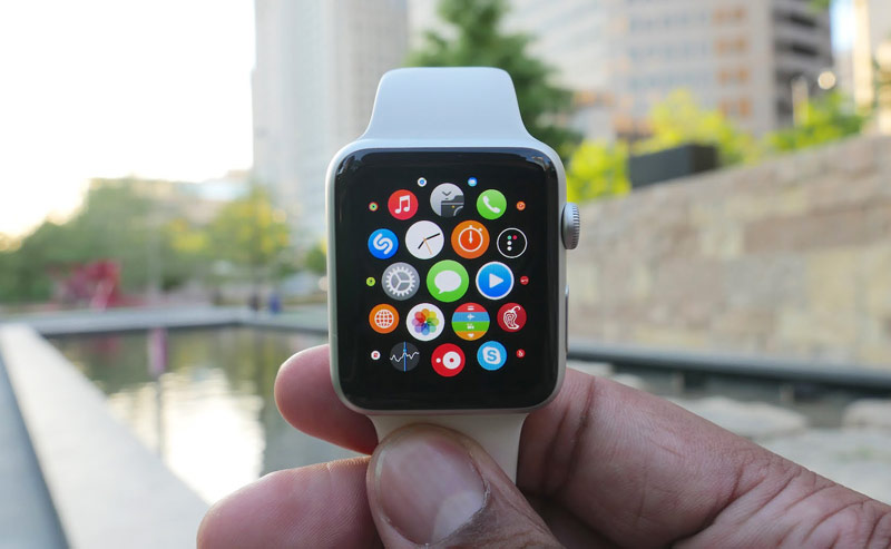 High price hinders the rise in popularity of the Apple Watch in Russia