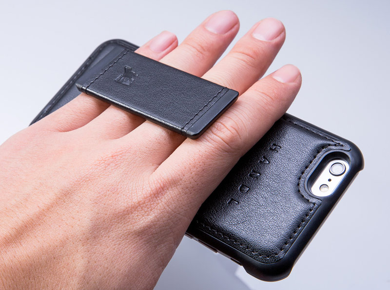Case for $25 will solve the main problem of large iPhone