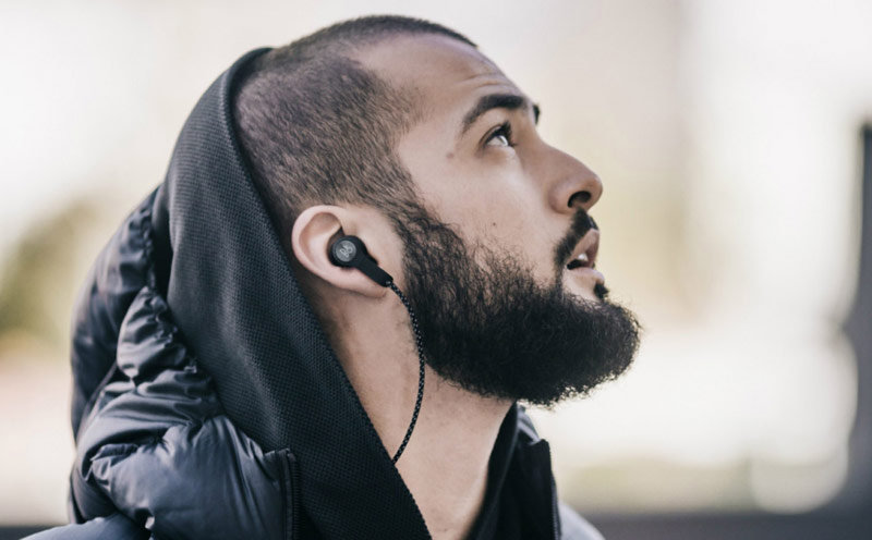 Bang & Olufsen introduced its first wireless earphones Beoplay H5 [video]