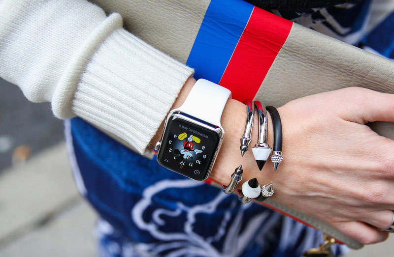 The head of Cartier urged the Swiss watch manufacturers to give up the competition with Apple