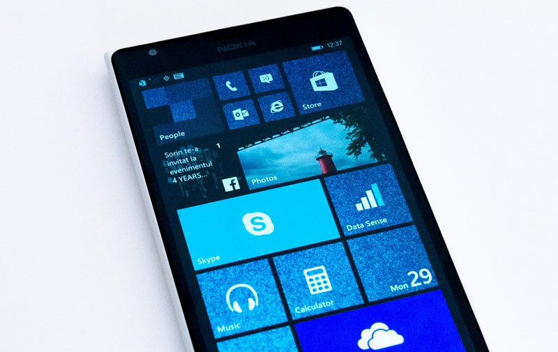The sale of smartphones to Microsoft Lumia has decreased over the year three times