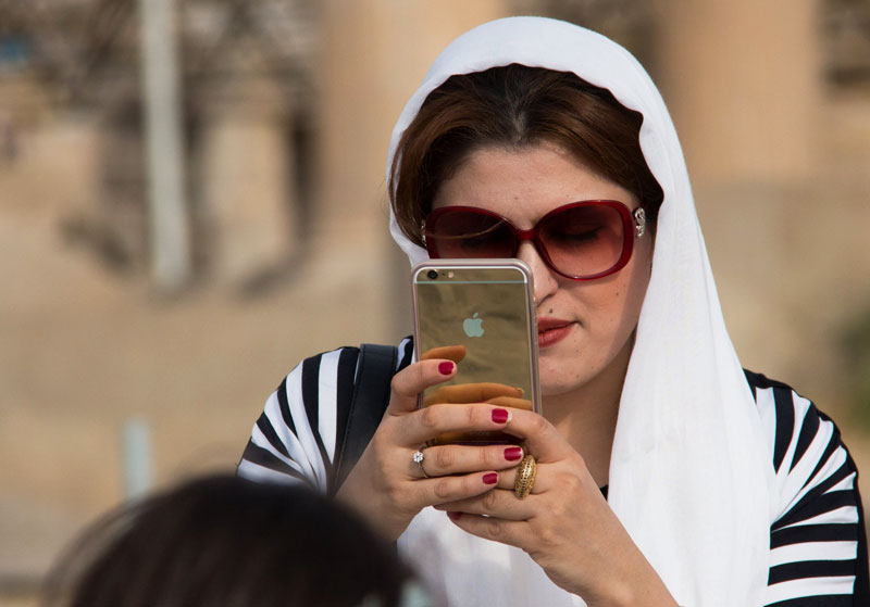 Iran for the first time will allow iPhone sales