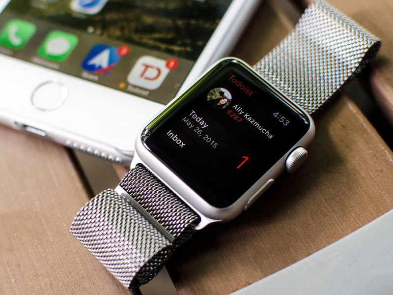 Apple managed to increase the time of active work of the Apple Watch 2 to 10 hours