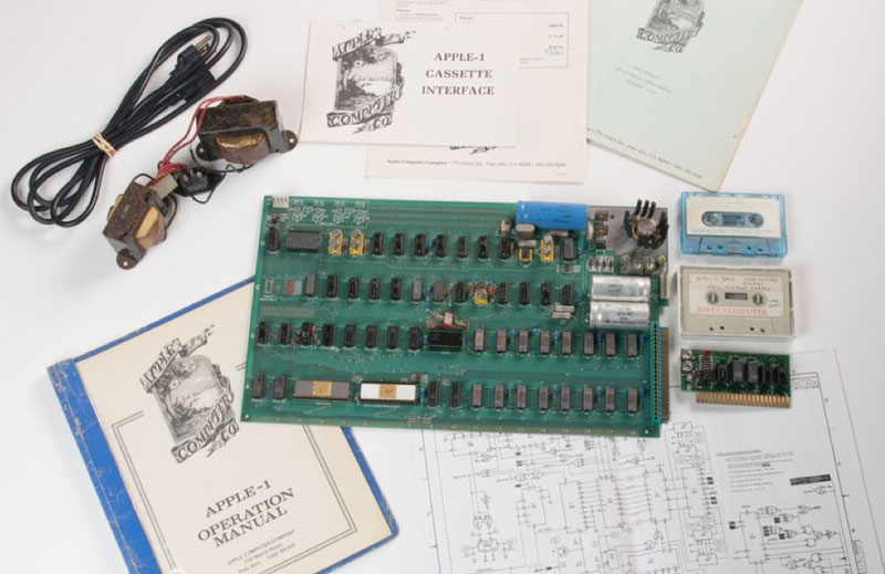 The motherboard is one of the first Apple computers will go under the hammer for $1 million
