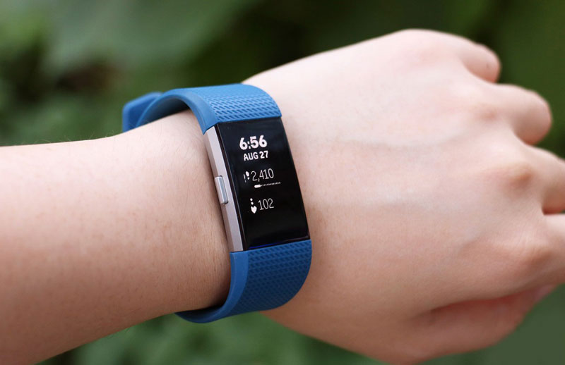 Fitbit introduced the smart bracelet Charge 2 and fitness tracker Flex 2