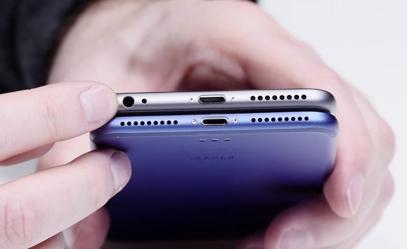 Published video of blue iPhone 7 Plus with dual camera and connector Smart Connector [video]
