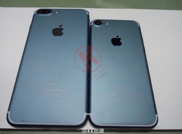 "Published ""live"" photos of the iPhone 7 and iPhone 7 Plus in the new color Space Black"