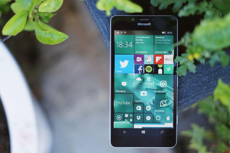 Microsoft refused to upgrade older phones to Windows 10
