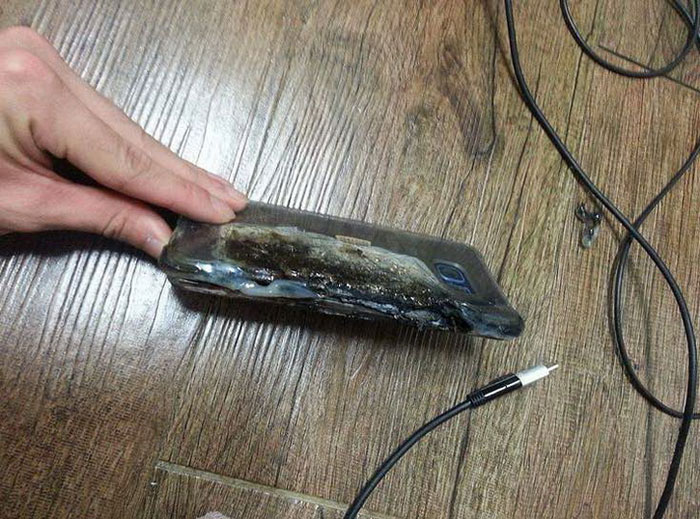 Photo: Samsung Galaxy Note 7 exploded while charging
