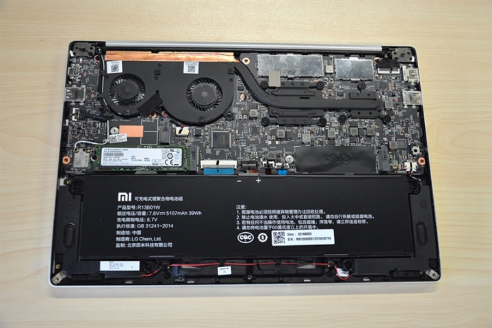 "The first disassembly Xiaomi Mi Notebook Air: what's the autopsy, ""killer"" MacBook Air [photos]"