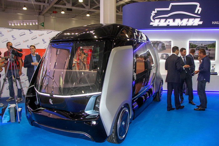 """""""KamAZ"""" announced the launch of Russia's unmanned buses that are managed using a mobile app"""