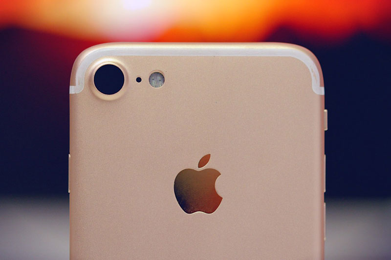Analysts: iPhone 7 might fail in sales because of the decision of Apple not to change the design of smartphones