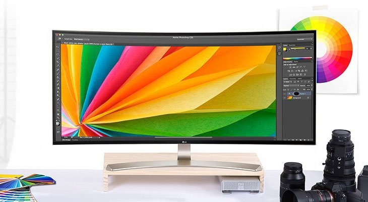 LG has introduced a series of curved monitors with aspect ratio 21:9, and USB-C