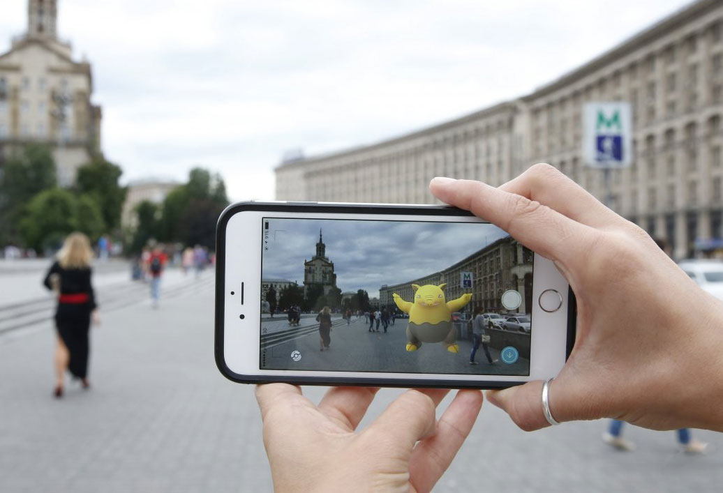 Google Maps now allows you to mark a place and time where the user-catching pokemon