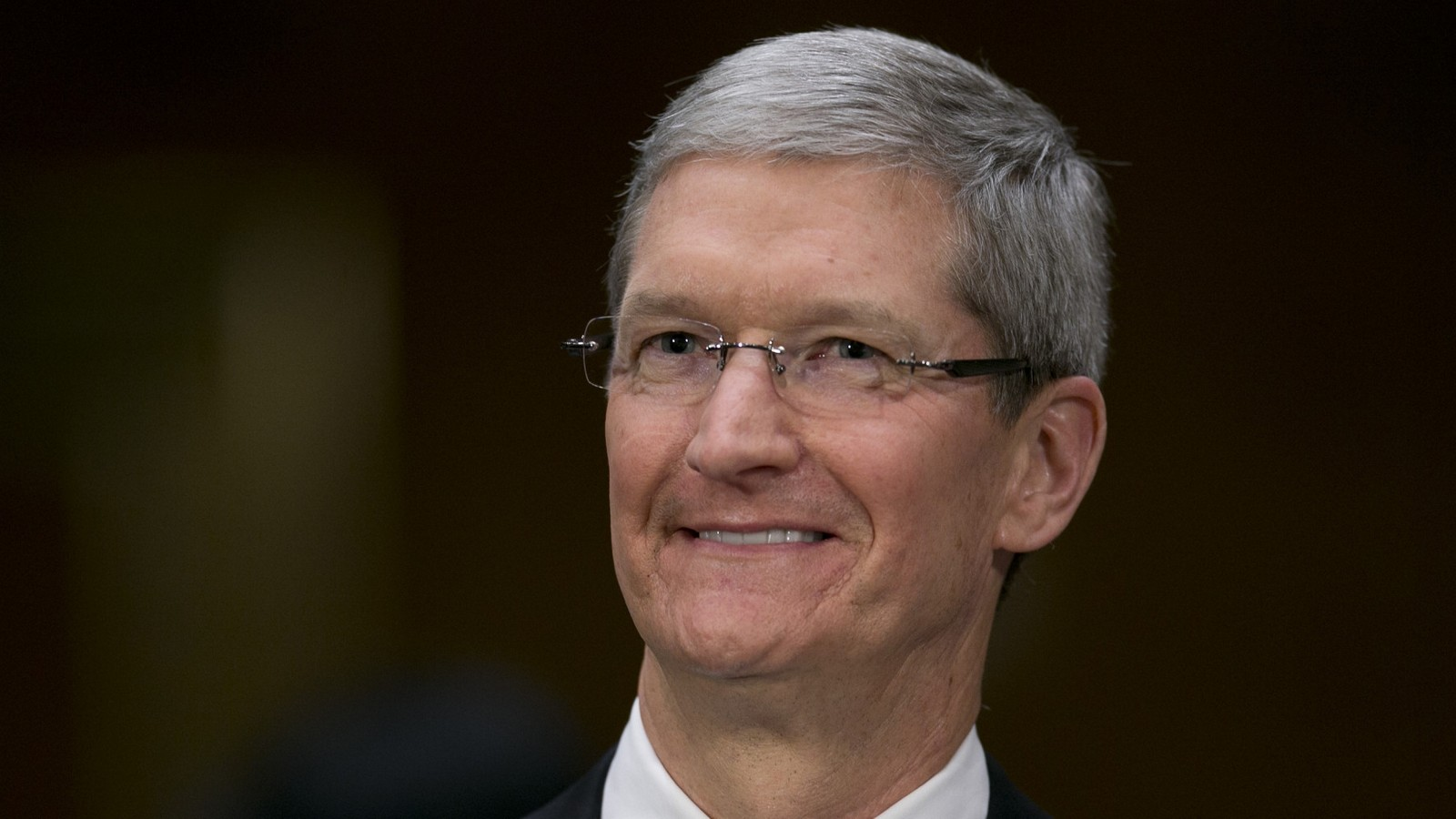 """The selection of """"disastrous"""" decisions Apple made the iPhone better"""