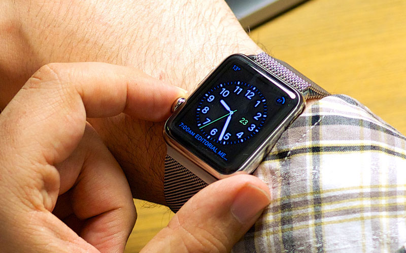 British Ministers were forbidden to wear the Apple Watch due to Russian hackers