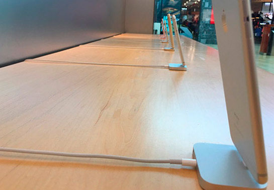 Apple refused antitheft cables for demo iPhone in retail stores [images]