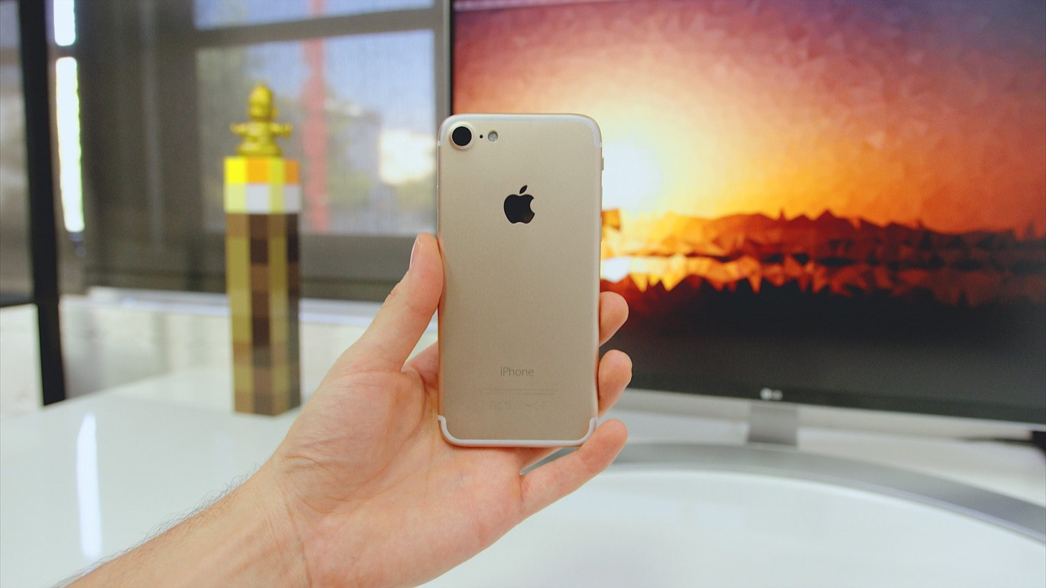 6 reasons to forget about the iPhone 7 and wait for the new model
