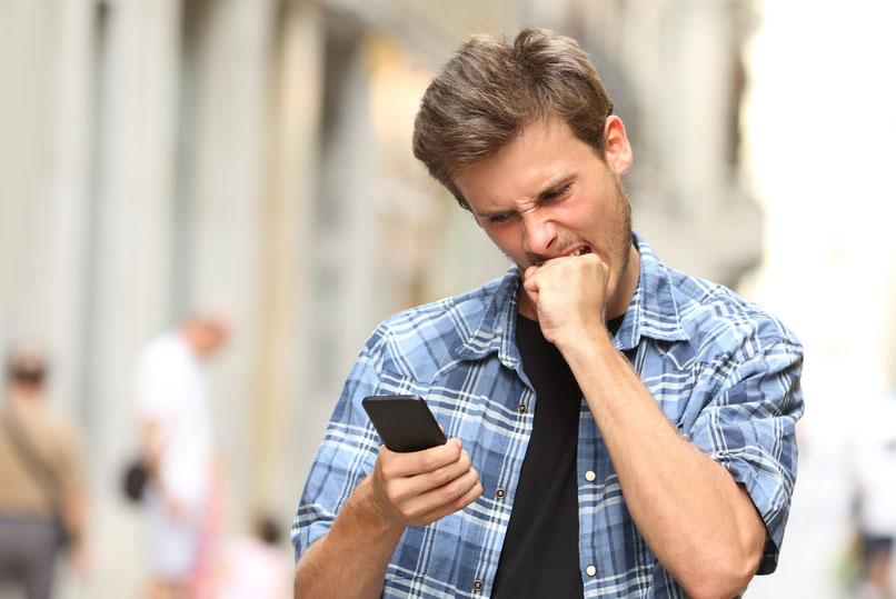 """How can you be so stupid"": veteran journalist Walt Mossberg criticized Siri"